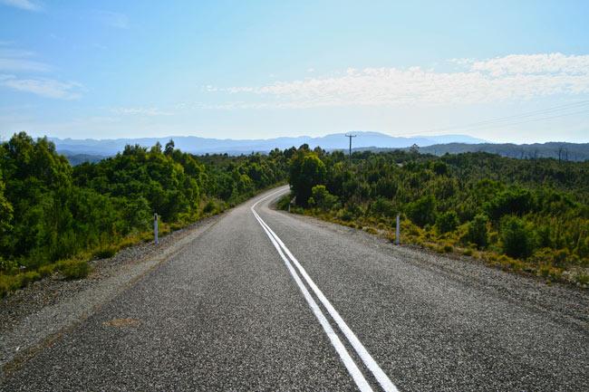 Tasmania_Road_1
