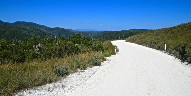 Tasmania_Road_3